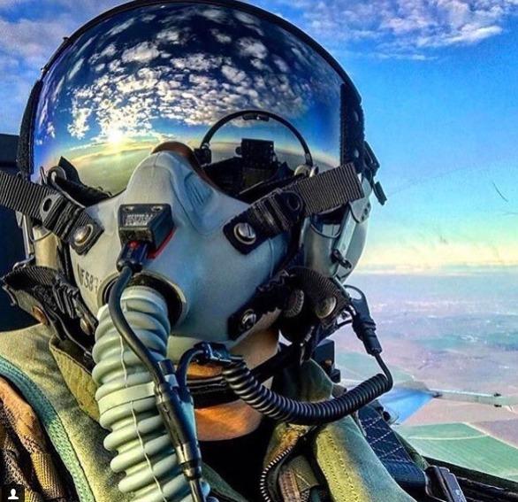 Très Vol en avion de chasse à Bordeaux et Toulouse - places disponibles! NQ06