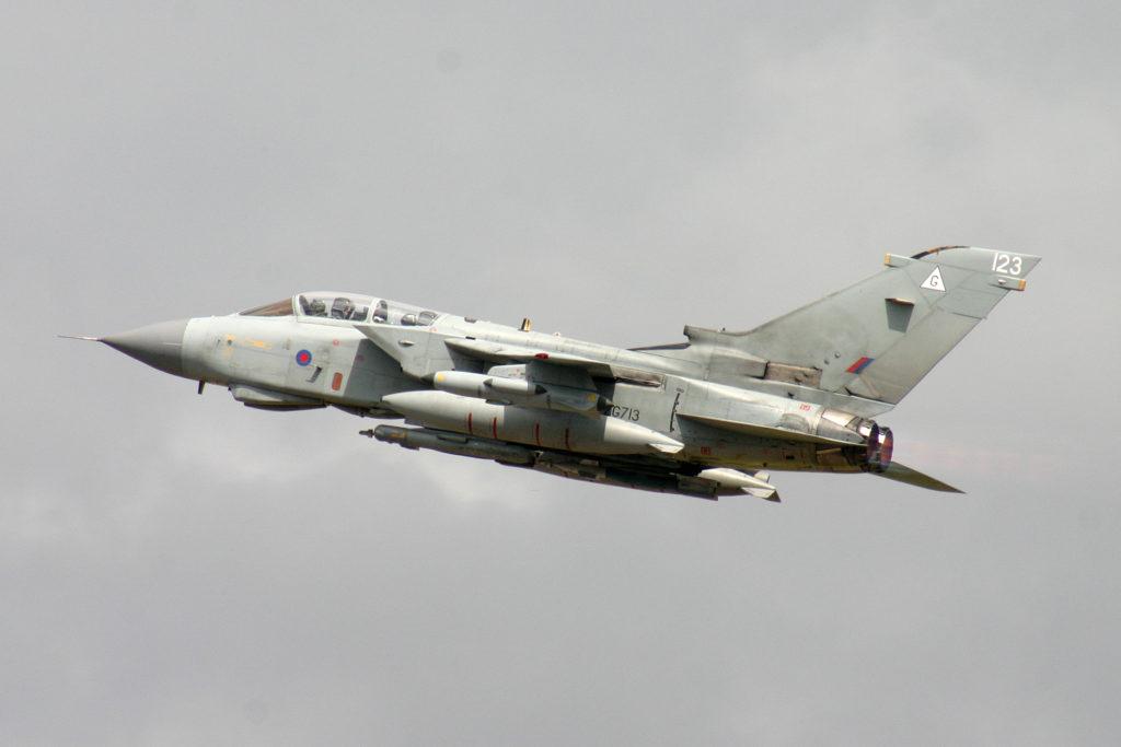 avion de chasse tornado